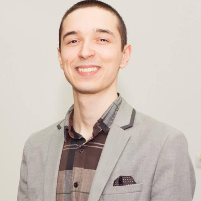 """Cristian Boldor: Self-publishing-ul este foarte cool, însă nu este o """"floare la ureche"""" (interviu)"""