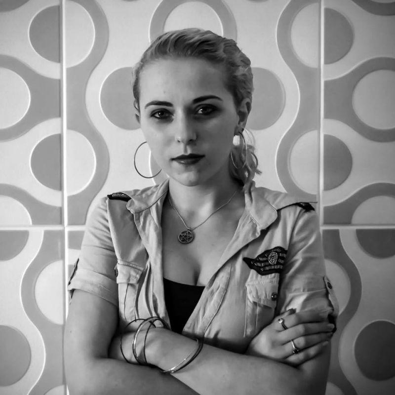 """Lavinia Călina de la """"Ultimul avanpost"""" la """"Neamul Corbilor"""" (interviu)"""