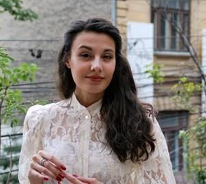 Ana Manescu 3
