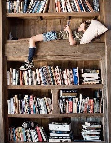 Cum ne aranjăm cărțile în bibliotecă?