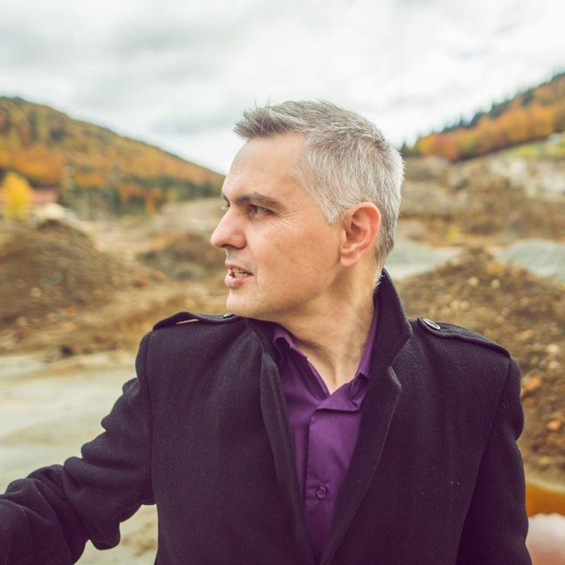 """Interviu cu Marius Gabor, autorul cărții """"Amor de dragul ploii"""""""