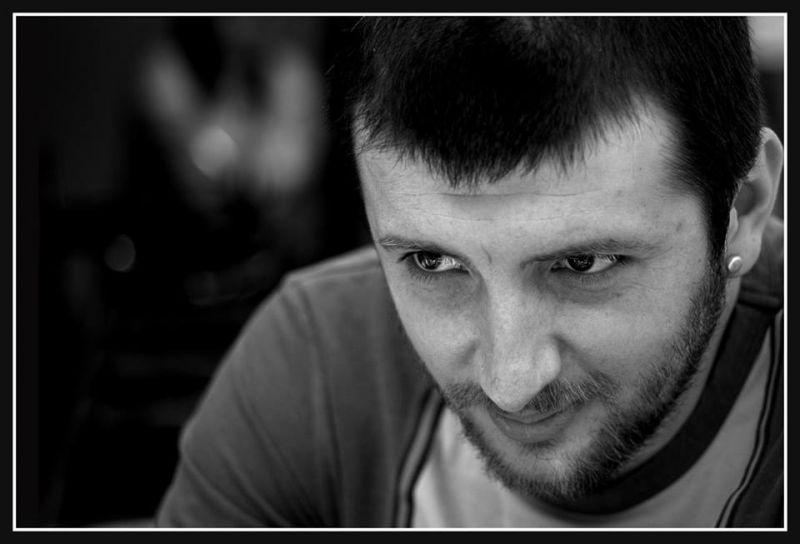 """Interviu cu Alain Gavriluțiu, autorul cărții """"Cărăuşul de păcate"""""""