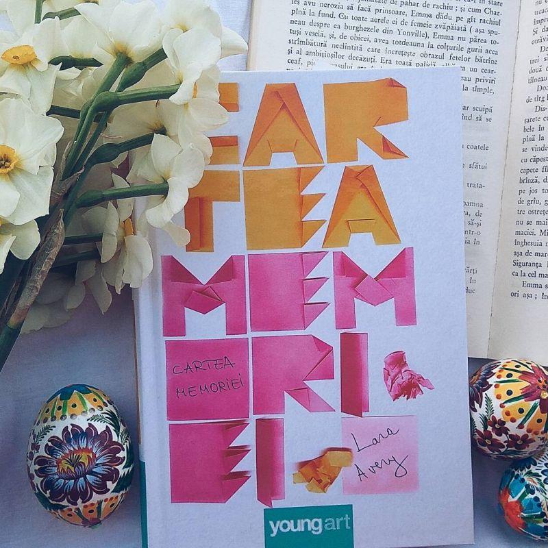 """Recenzie """"Cartea memoriei"""" de Lara Avery"""