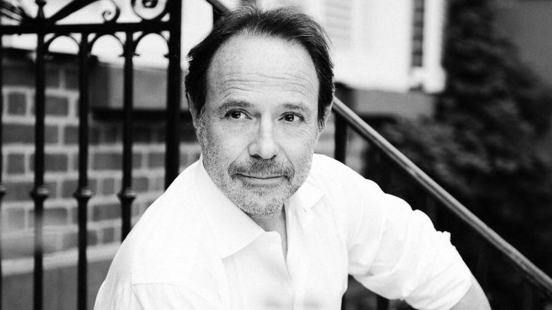 """Interviu cu  Marc Levy, autorul cărții """"Ea si el"""""""