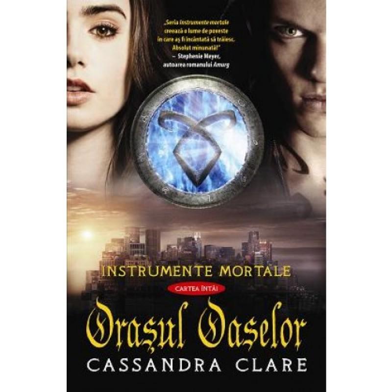 """Recenzie """"Orașul oaselor"""" de Cassandra Clare"""