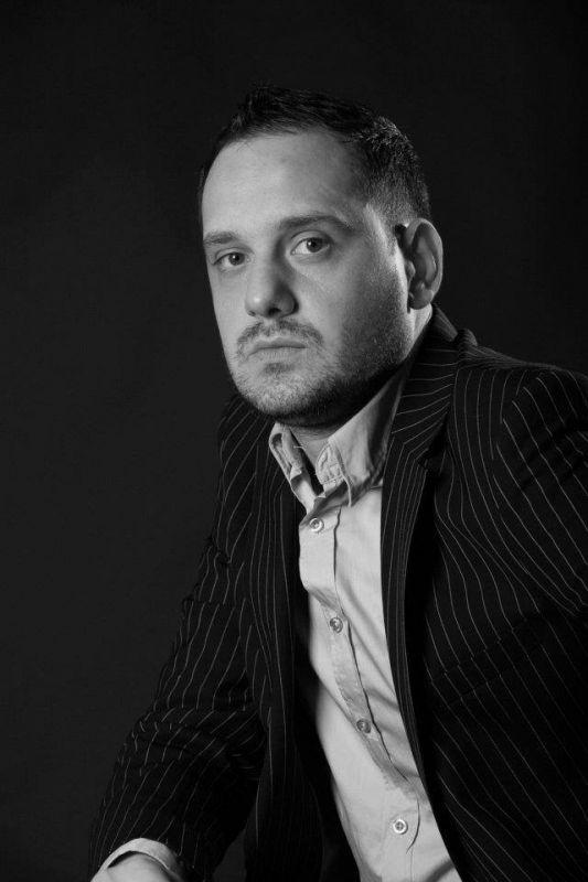 """Interviu cu Răzvan Gheorghe, autorul cărții """"Metastazele Luminii"""""""