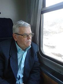 """Interviu cu Ioan Suciu, autorul cărții """"Vânătoare de roboți"""""""