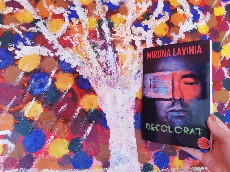 """Recenzie """"Decolorat"""" de Miruna Lavinia"""