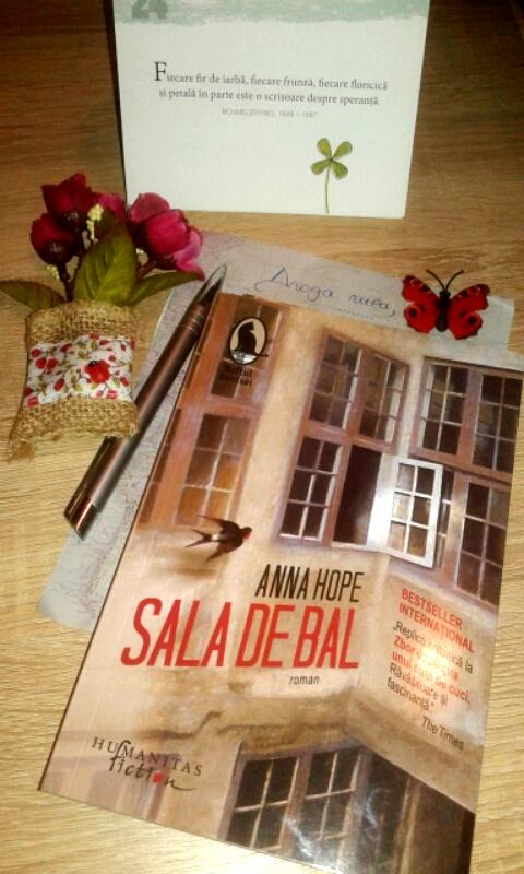 """Recenzie """"Sala de bal"""" de Anna Hope"""