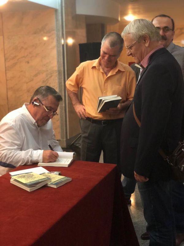 """Interviu cu Aurel Dobre, autorul cărţii """"Școala de la Miraveda"""""""