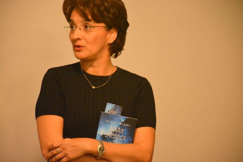 """Interviu cu Nicoleta Beraru, autoarea cărții """"Luluța și Petrișor"""""""