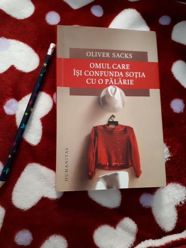 """Recenzie """"Omul care își confunda soția cu o pălărie"""" de Oliver Sacks"""