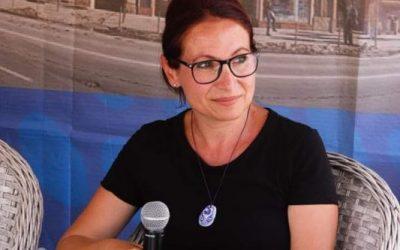 """Interviu cu Nicoleta Ioan, autoarea cărții """"Versuri Reale"""""""