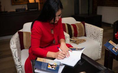 """Interviu cu Beatrice Eliss, autoarea cărții """"Într-un suflet de femeie"""""""