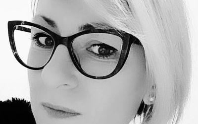 """Interviu cu Popica-Savin Alina-Roxana, autoarea cărții """"Bucăți din mine"""""""