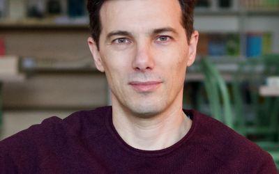 """Interviu cu Andrei Chira, autorul cărții """"nu vreau să mai fiu sărac"""""""