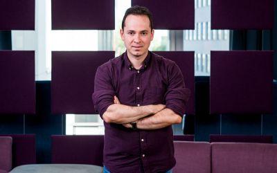"""Interviu cu Dan Gheorghiu, autorul cărții """"Invitație la Disconfort"""""""